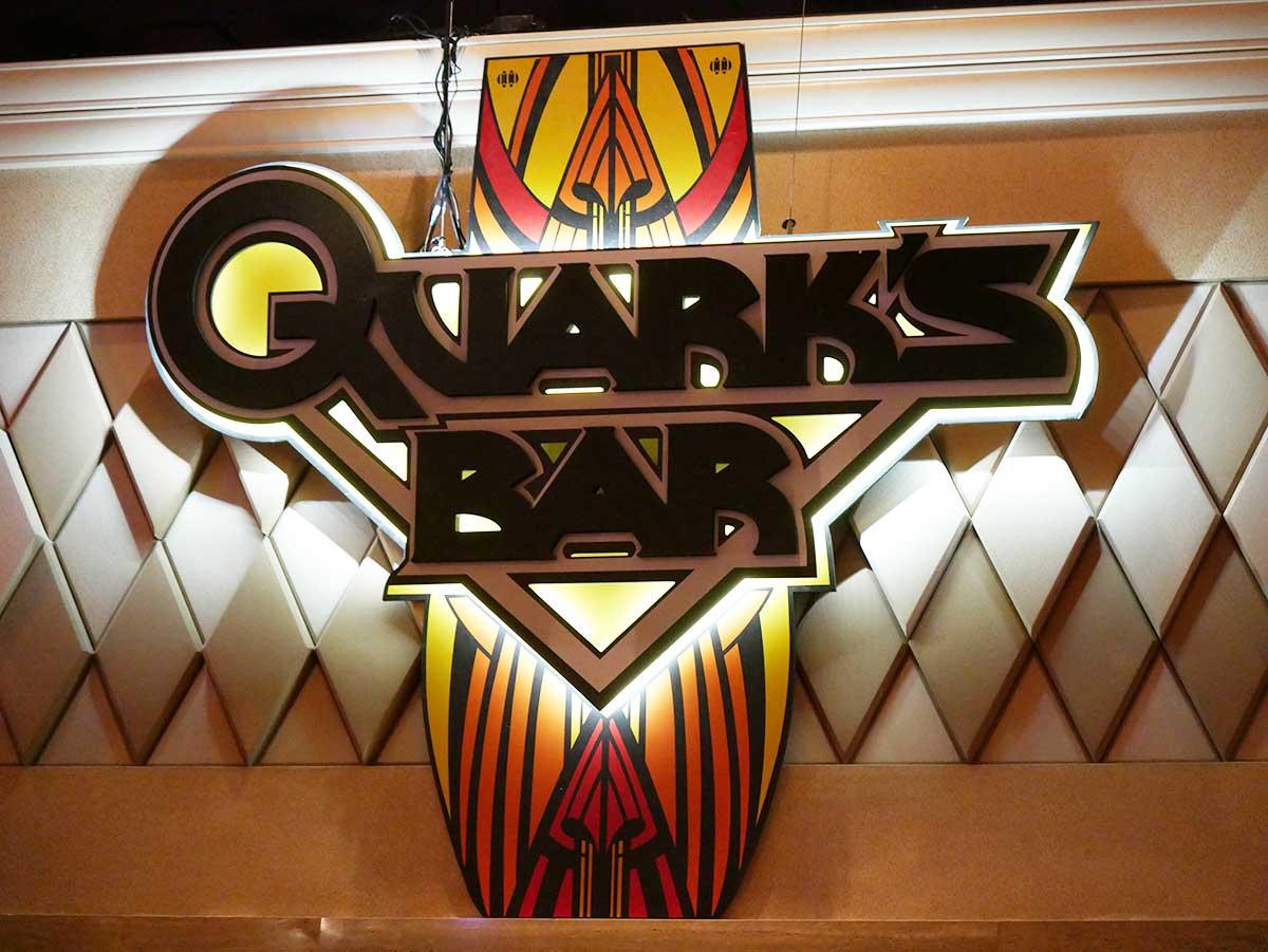 Quarks Bar Sign