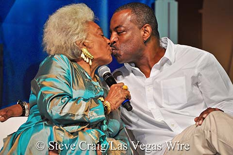 LeVar and Nichelle share a kiss