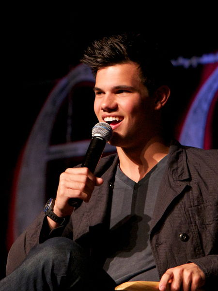 Twilight Convention Sa... Taylor Lautner Official Site